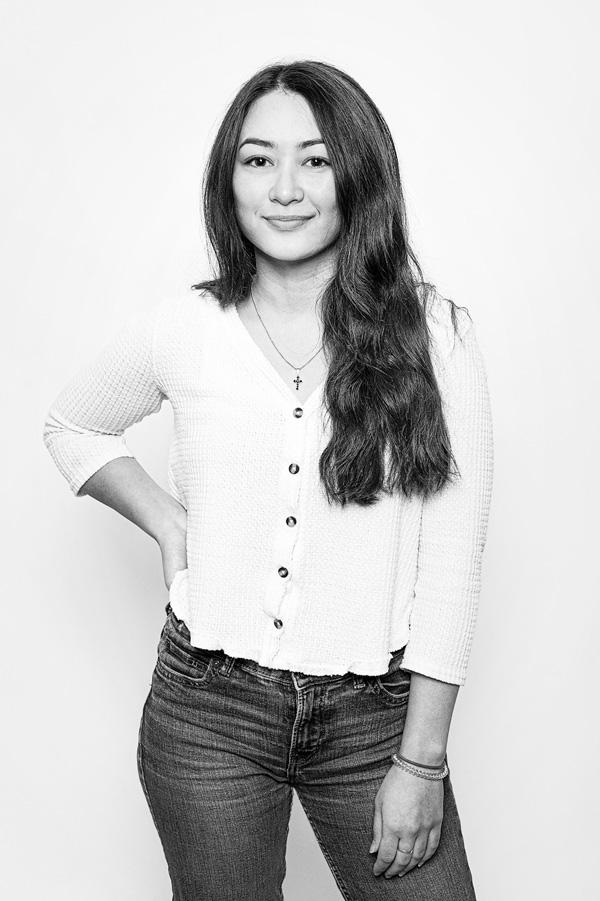 Schwarz Weiß Portrait Alina Allmayer