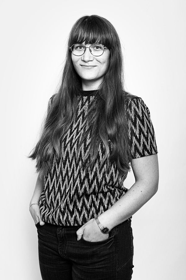 Schwarz Weiß Portrait Lea Grötzinger
